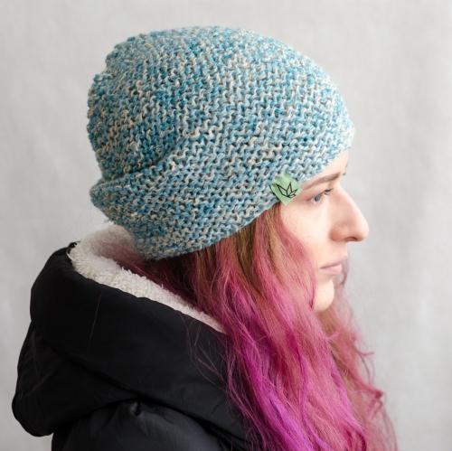 Вязаная шапка бини «Джагат» бело-голубая